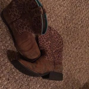 Ariat girls cowboy boots